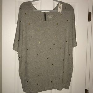 NWT Grey with Gold Skulls knit top!